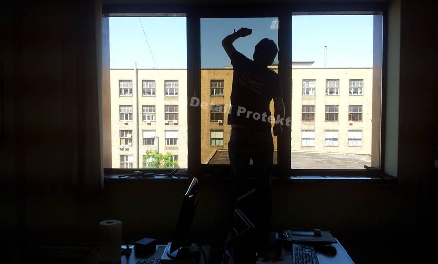 montaj-folii-birouri